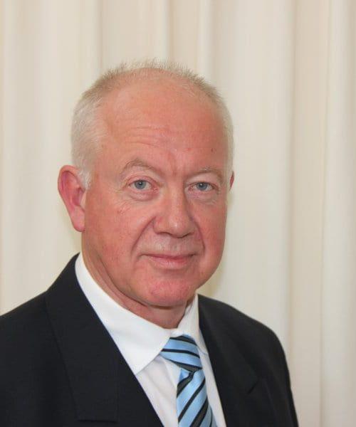 Uitvaartleider Guus Evers
