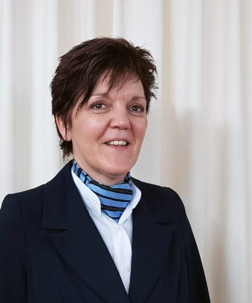 Uitvaartleider Petra Janssen - van Lier